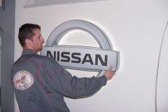 nissan13